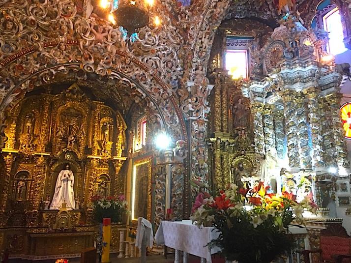 Tonatzintla altar