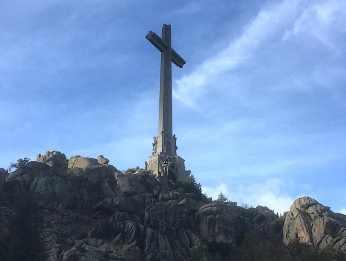 VOF Cross