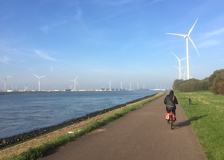 Bikes to Maeslant